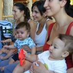 Общуване с бебето. Играчки и игри за най-малките
